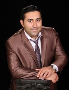 رزومه و افتخارات استاد آرین مدیریت آکادمی زبان آرین